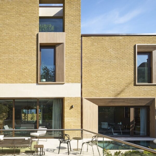 Cero aluminium sliding doors for new build Chelsea home