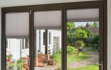 Kite-cottage-aluminium-curtain-walling-rooflight-bifolding-doors-blinds_4