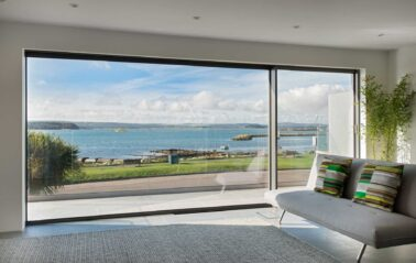 Cero sliding doors maximise views & protection from the sea air