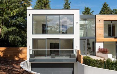 Slimline ODC300 sliding systems with glass balustrade and balcony on stunning new build