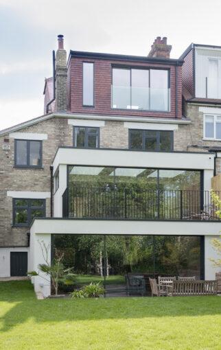 Linden-sliding-SL320- balustrade-windows_1