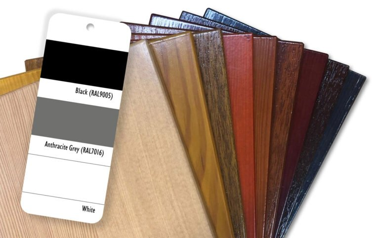 RAL-(3col)-colour-book-images_Wood-Background