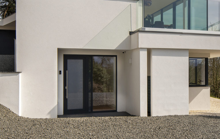 New build in Dorset with our ODC SL320 aluminium sliding external doors & bespoke windows