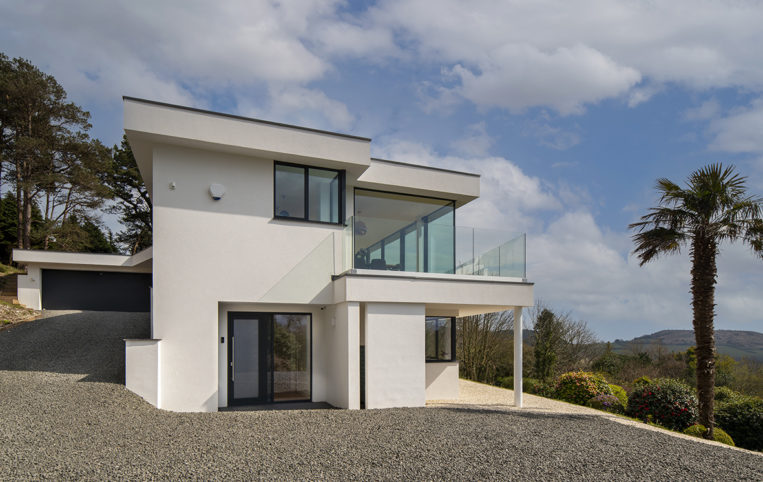 New build project in Dorset with our ODC SL320 aluminium sliding doors, bespoke windows and external doors